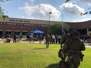 В техасской школе подросток застрелил 10 человек и ранил ещё десятерых