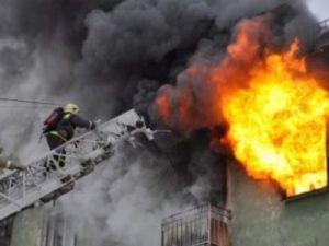 Сожитель ведущей Первого канала сильно пострадал во время пожара. Его увезли с ожогами.