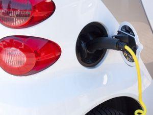 Глава «Роснефти» объяснил три причины, по которым растут цены на топливо