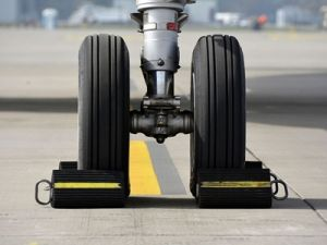 В Тюмени в аэропорту во время взлёта загорелся самолёт