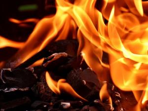 В Краснодаре загорелся торговый центр