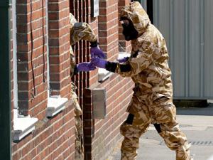 """Британские СМИ сообщили о """"группе из шести человек"""", отравивших Скрипалей"""