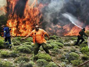 Министр Греции назвал поджоги возможной причиной пожара в стране