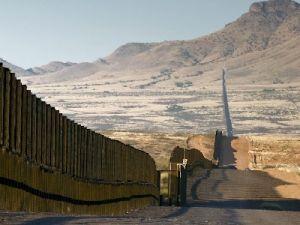 Трамп объявил о начале строительства стены на границе с Мексикой