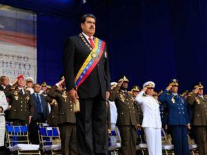11 сотрудников СМИ задержали после покушения на президента Венесуэлы