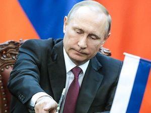 Владимир Путин отправил в отставку 15 генералов ведомственных структур