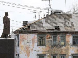 Минстрой разработает критерии аварийности домов: опасные для жизни дома снесут