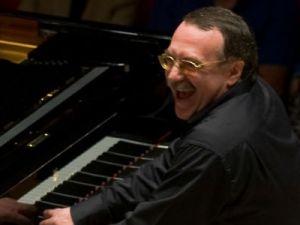 Заслуженный артист России Даниил Крамер выступит в Московской консерватории