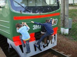 Мосгордума предложила в 25 раз увеличить штрафы за «зацепинг» на ЖД