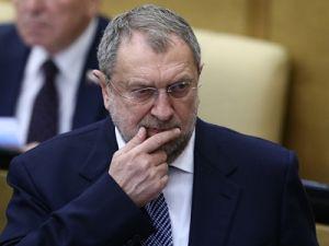Всего шесть депутатов-пенсионеров согласились отказаться от надбавок к пенсии