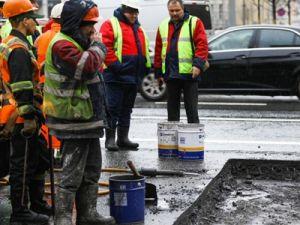 Дорожникам официально разрешили менять асфальт в снег, дождь и морозы