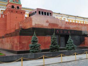 Ленин не резиновый. Даже не восковой.