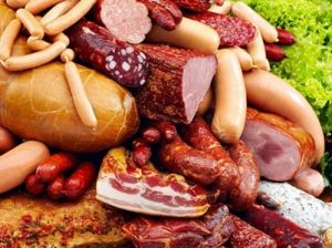 Колбаса и сосиски могут подорожать на 30% из-за введения акциза