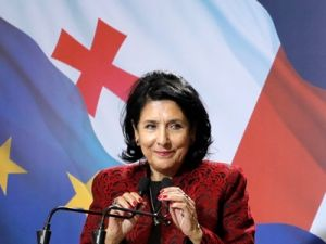 Избранный президент Грузии заявила об отказе сотрудничать с Россией
