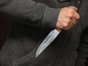 В московском метро на женщину напали с ножом