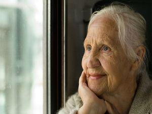 Плохое здоровье и зависимость от окружающих: россияне назвали признаки старости