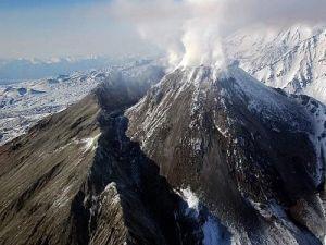 The Bezymianny Volcano on Kamchatka Threw a 6-Kilometer Column of Ash