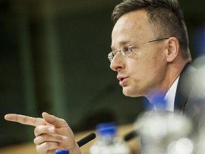 Глава МИД Венгрии назвал лицемерами западных критиков России
