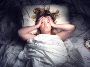 Недостаток сна грозит «самоуничтожением» мозга, доказали учёные