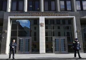 Совет федерации одобрил закон о штрафах за лже-новости – осталась подпись президента
