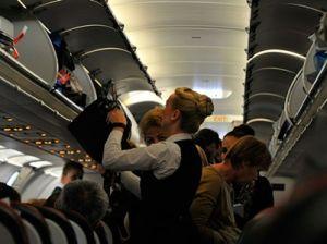 За мат с рейса Сочи-Москва сняли двух пассажиров самолёта
