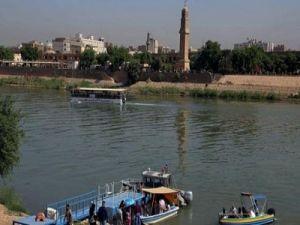Число жертв при крушении парома в Ираке возросло до 85
