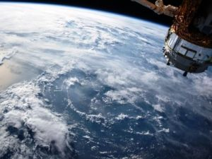 "Russian Scientists Introduced ""Predatory"" Satellite for Destroying Space Junk"