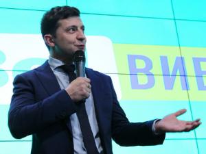Зеленский предложил Тимошенко стать арбитром на дебатах с Порошенко