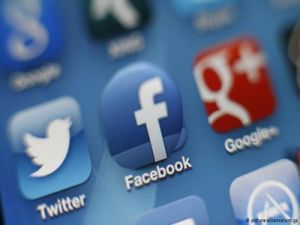 Experts Suggested Closing Facebook and Twitter Access to Russian Data