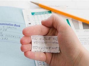 Российские студенты стали чаще списывать и сдавать купленные рефераты