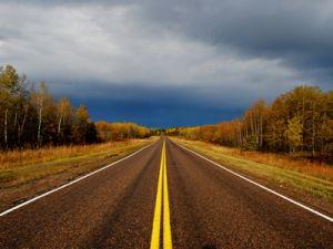 Названы российские регионы с самыми опасными дорогами