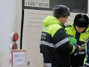 В Приморье очевидец ДТП погиб под колесами авто, желая подойти поближе к месту аварии