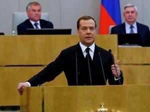 Медведев отчитался о строительстве и ремонте федеральных трасс за прошлый год