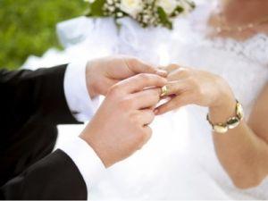 Молодожёны ради экономии совместили свадьбу с похоронами тёти