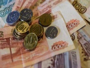 Опрос: россияне хотят, чтобы правительство выделяло деньги на социальные, а не на военные нужды