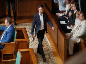 Zelensky Hinted Russia at the First Steps to Resolve Conflict in the Donbass