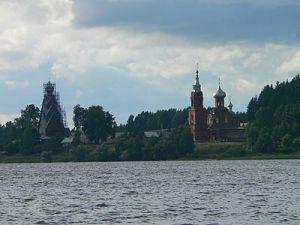 Уникальному памятнику деревянного зодчества в Тверской области исполнилось 325 лет