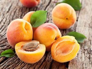 Врачи рассказали, кому нельзя есть абрикосы