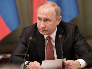 Putin Urged to Accelerate Economic Growth
