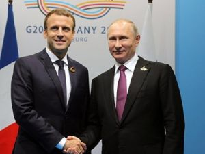 Macron Accepted Putin's Offer to Come on Celebrate Victory Day
