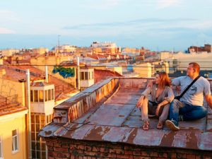 The Roofs of Houses in St. Petersburg Will be Closed for Tourists