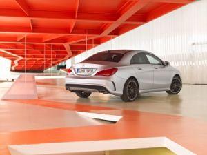 Mercedes-Benz анонсировал автономную парковочную систему