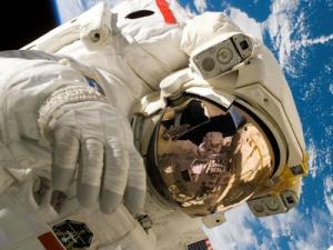 Назван размер зарплаты российских космонавтов