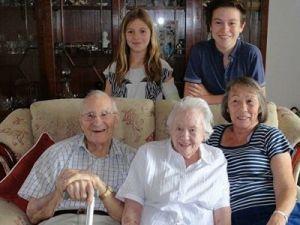 Пара из Великобритании отметила 80 лет со дня свадьбы
