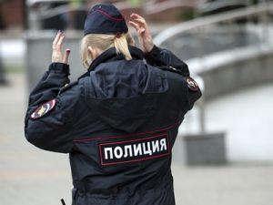 В Москве мужчина заявил об угоне, забыв дочь в машине и место парковки
