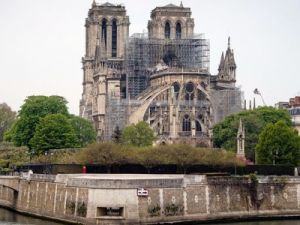 The Threat of Collapse of Notre Dame Cathedral Is Still Actual