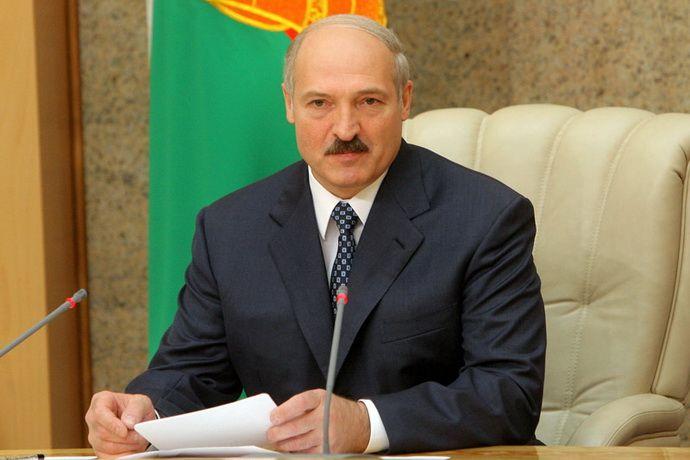 Лукашенко готов обсудить с Путиным российские авиабазы в Белоруссии