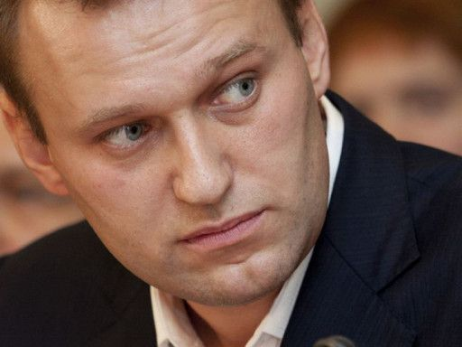 Оппозиционера Навального оштрафовали на 2,5 тыс. рублей за отказ впустить приставов