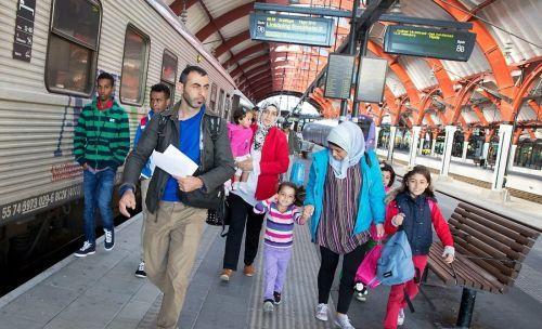 Швеция намерена придерживаться строгой экономии, чтобы справиться с потоком беженцев