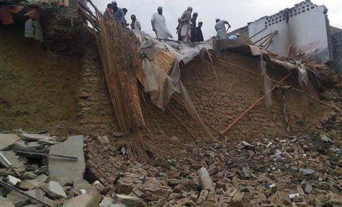 Число погибших при землетрясении в Пакистане и Афганистане достигло 165 человек